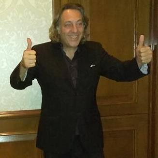 david leonardis thumbs up